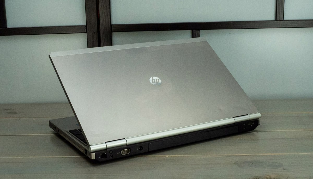 LAPTOP HP 8560P I5 8GB 120SSD W10 HD+ KAM DVD