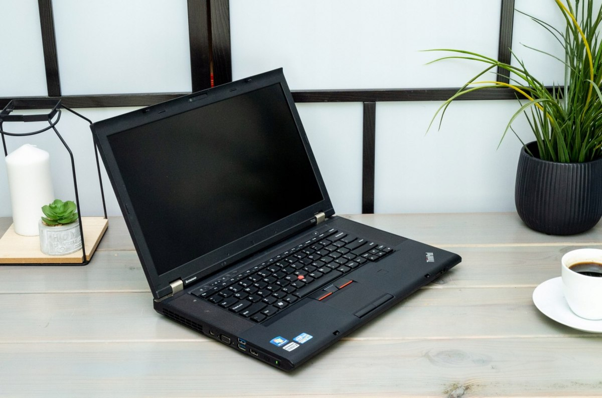 LAPTOP LENOVO T530 I5 8GB 512SSD HD W10 KAM DVD